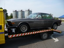 BMW E9 3.0 CS w trakcie transportu